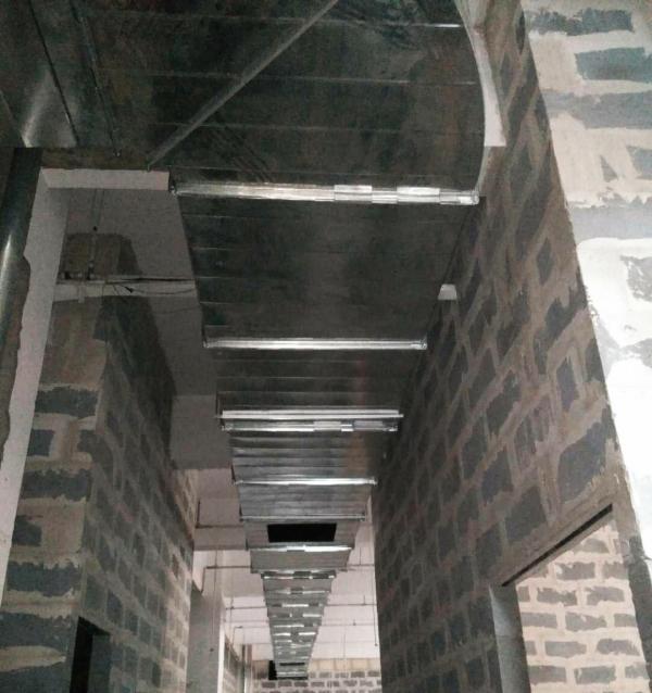 内蒙古巴彦淖尔市盛世大酒店通风施工现场
